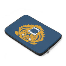 Wildcat with blue background - Laptop Sleeve