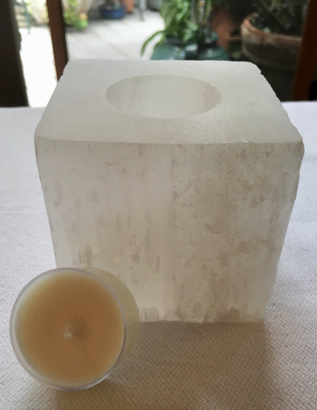 Selenite Square Candle Holder + 4 Coconut-Soy Wax Tealights