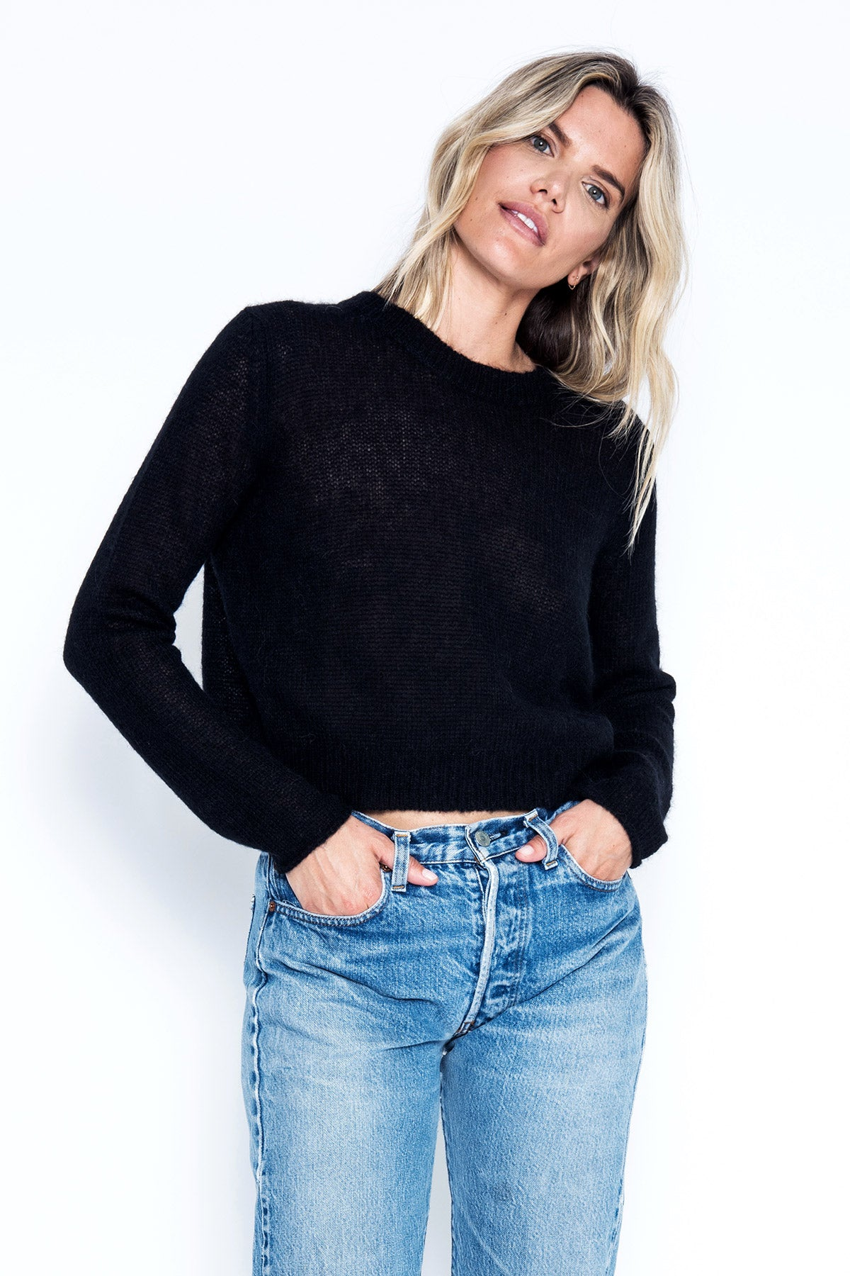 Mila Crop Pullover - Black