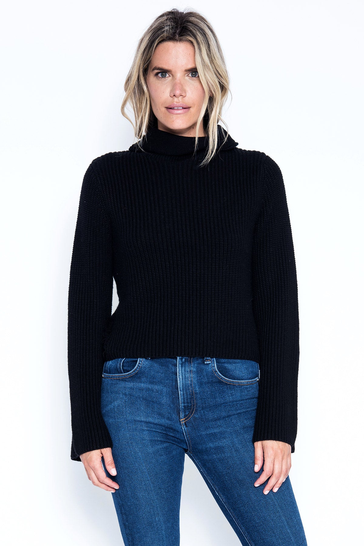 Jessa Crop Pullover - Black