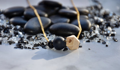 Black onyx gemstone necklace tin lizzie jewellery gold aromatherapy tittup