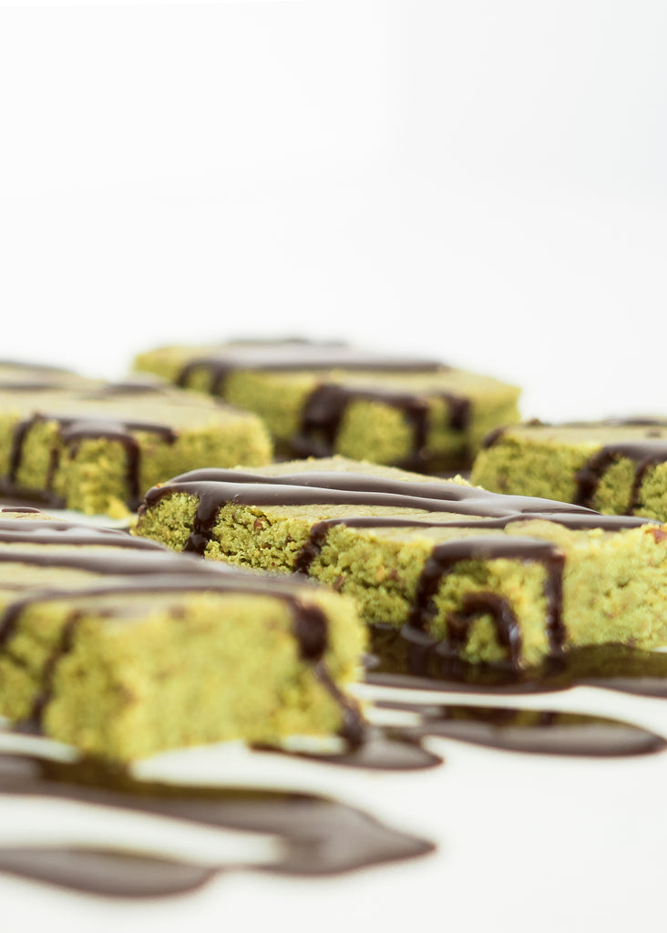 How to Make Matcha Protein Bars