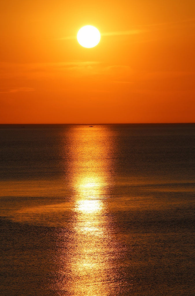Sungazing-Should you take those sunglasses off while the sun is still shining?