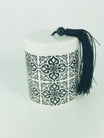 Black & White Tassel - tile print