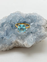 Load image into Gallery viewer, blue topaz