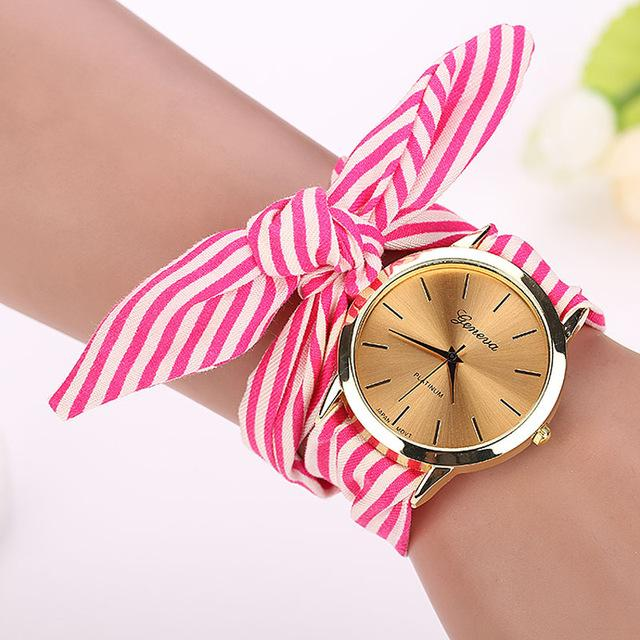 MONTRE BRACELET RUBAN ROSE.