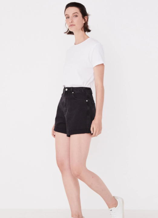 ASSEMBLY LABEL | ROLLED HEM SHORT WASHED BLACK