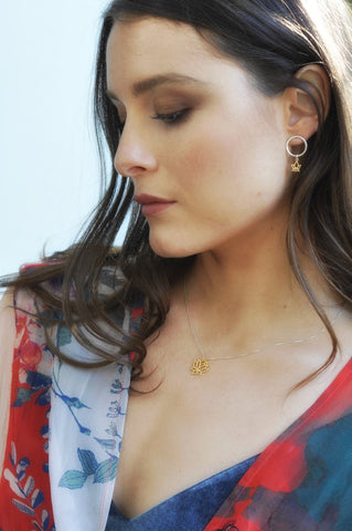 Model wearing Leoni & Vonk Lotus jewellery