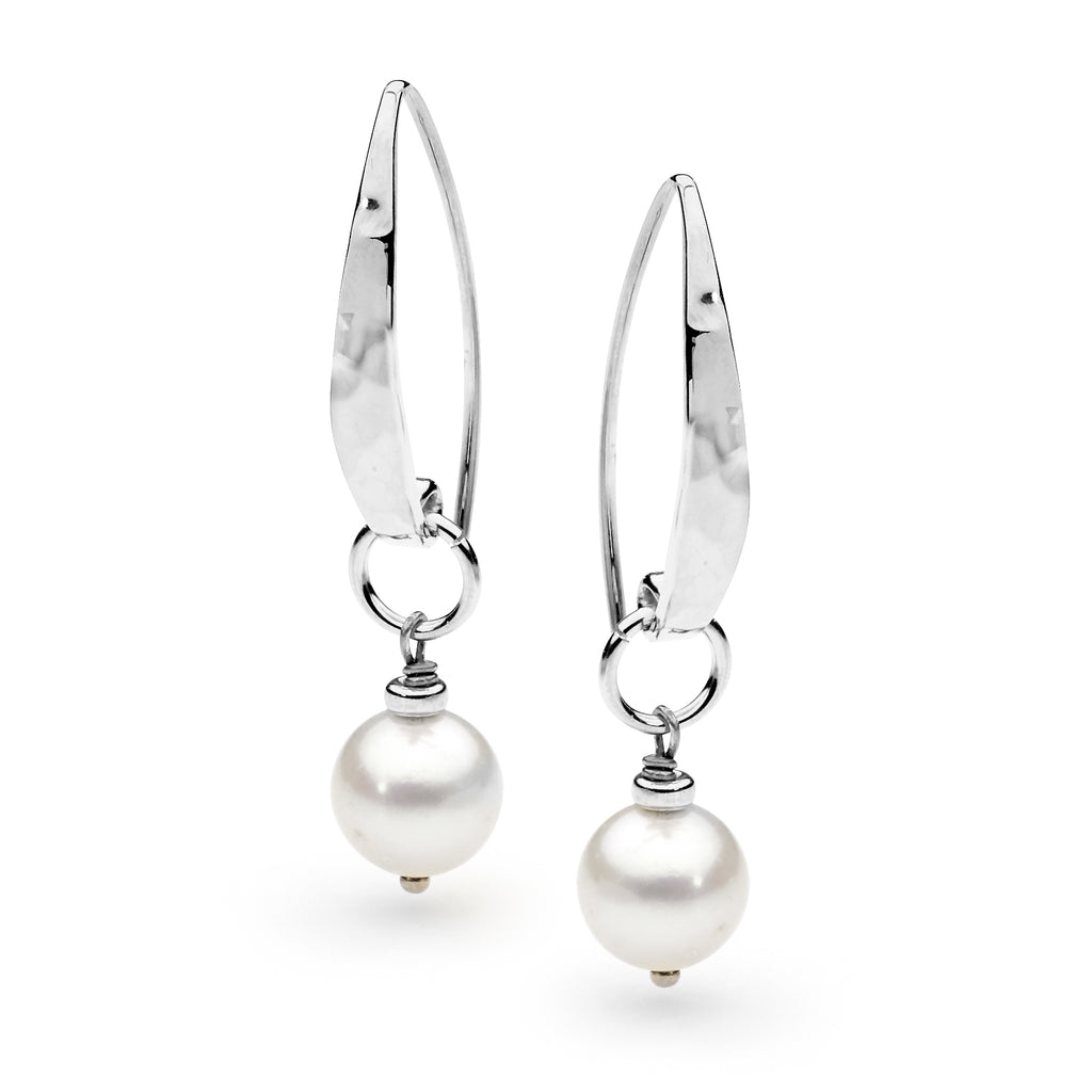 Image of Leoni & Vonk sterling silver and pearl Audrey earring photographed abasing a white background