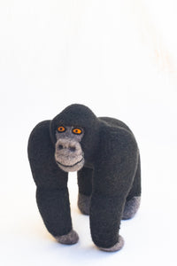 Mae Mountain Gorilla (Medium)