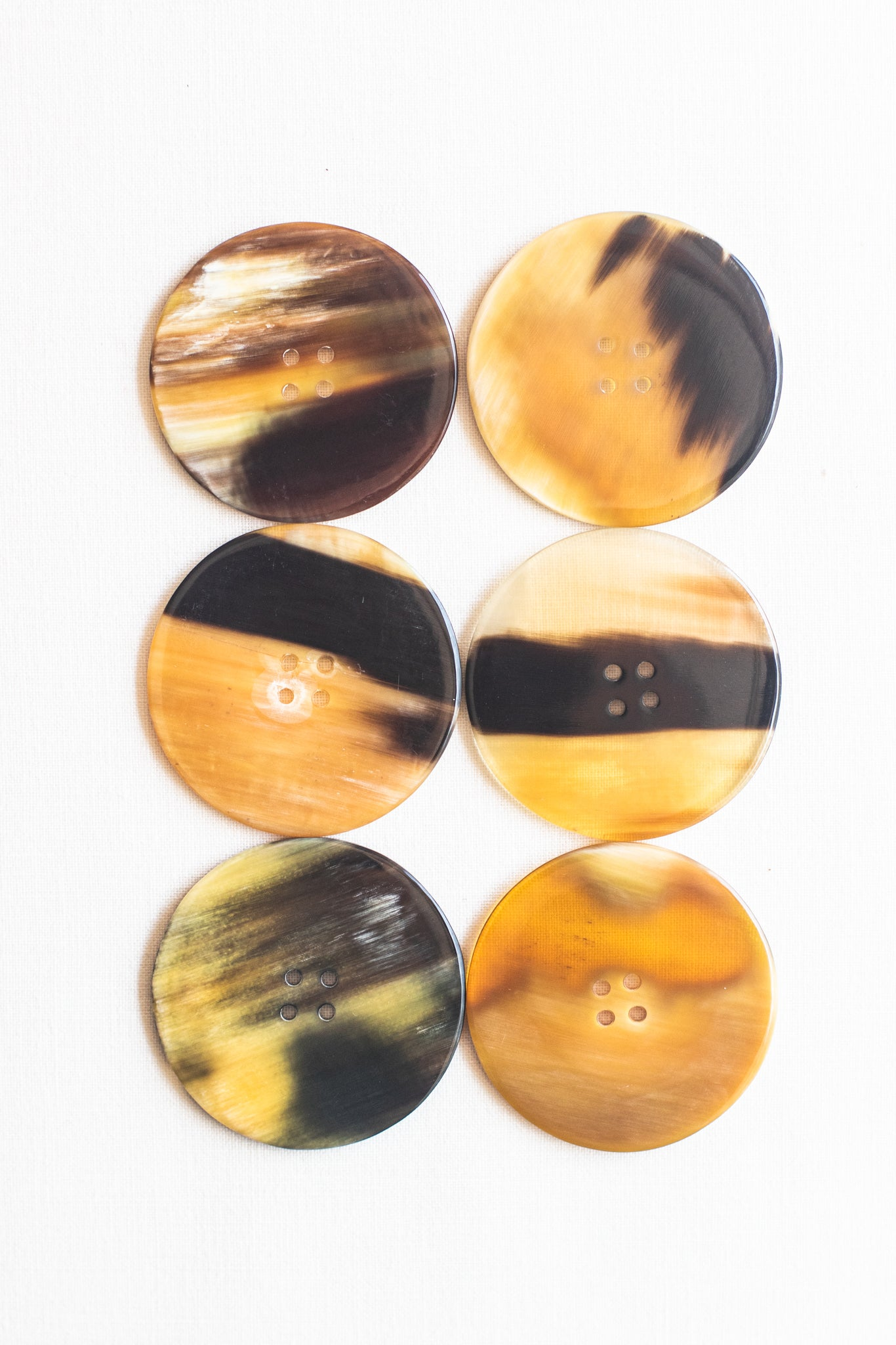 "Circular Cow Horn Buttons, 1.5"", Marbled Carmel"