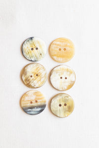 "Circular Cow Horn Buttons, 1"", Marbled Misto"
