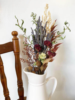 Open image in slideshow, Vintage Dried Flower Bouquet