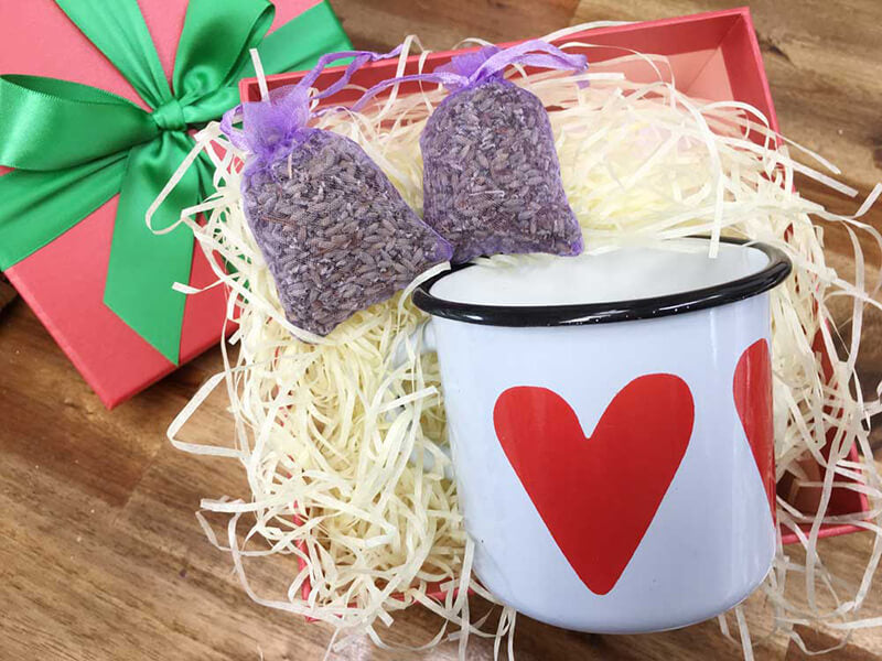 Xmas Present Ideas Gifts for Girlfriend: Big Heart Gift Box from Lavender Backyard Garden