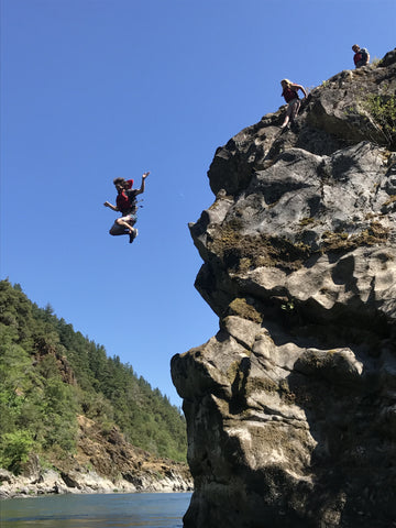 cliff_jumping_sturgeon_rock_rogue_river_rafting