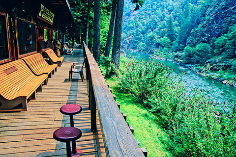 paradiselodge_wildandscenic_rogueriver_natesrogueadventures_nature_vacation