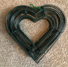 Pack of 21 Heart Wreath wire forms