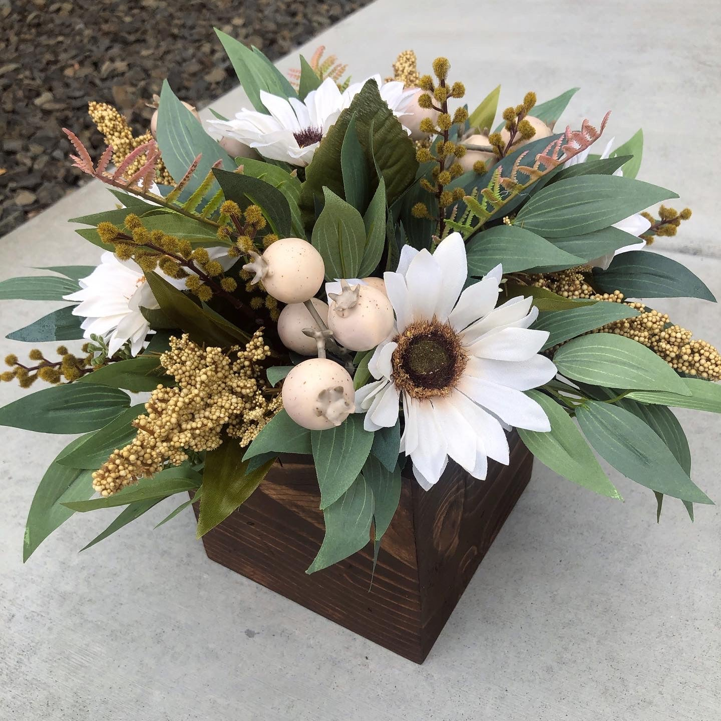 Cream sunflower Centerpiece