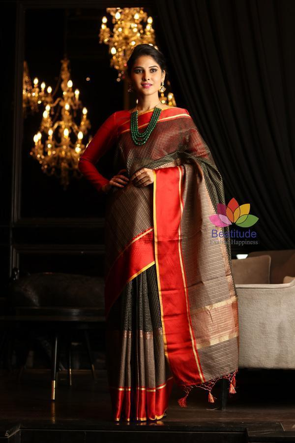 Buy Exquisite Banarasi Saree to Grace Indian Ethos and Values in Style