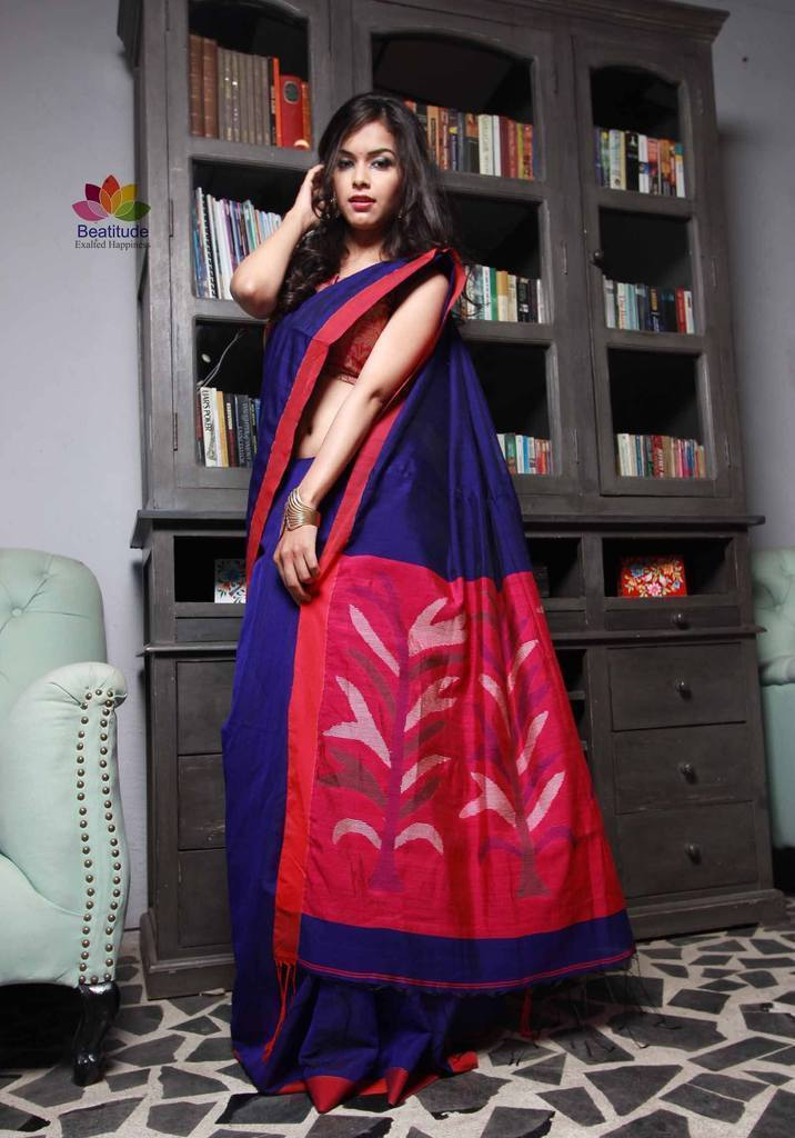 Drape Cotton Handloom Sarees to Look Drop Dead Gorgeous