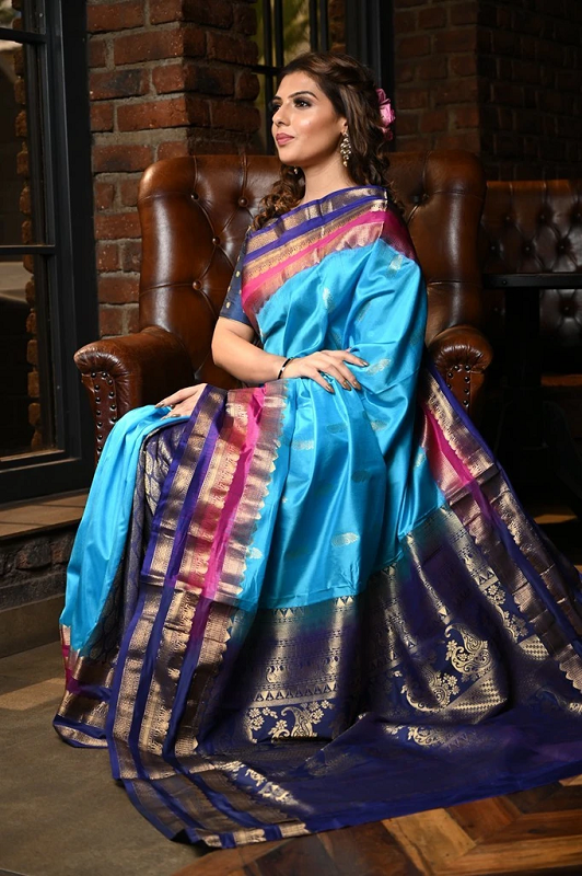 Top Reasons Why Handwoven Sarees Are Redefining Current Ethnic Wear?