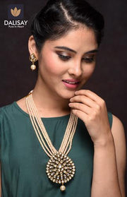 Handcrafted Reverse Paan Base Designer Stone Necklace Set