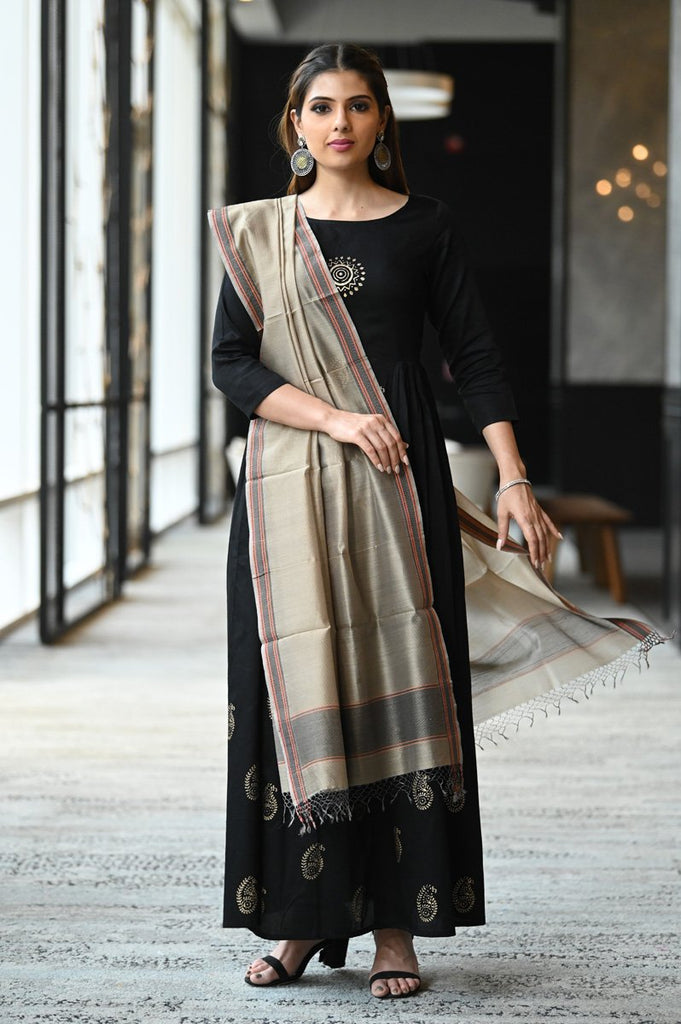 Brown Shade Handwoven Cotton Silk Maheshwari Dupatta
