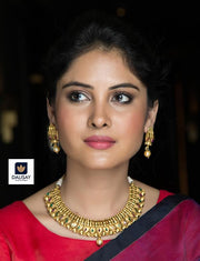 Handcrafted Classic Necklace Set With Gold Plating