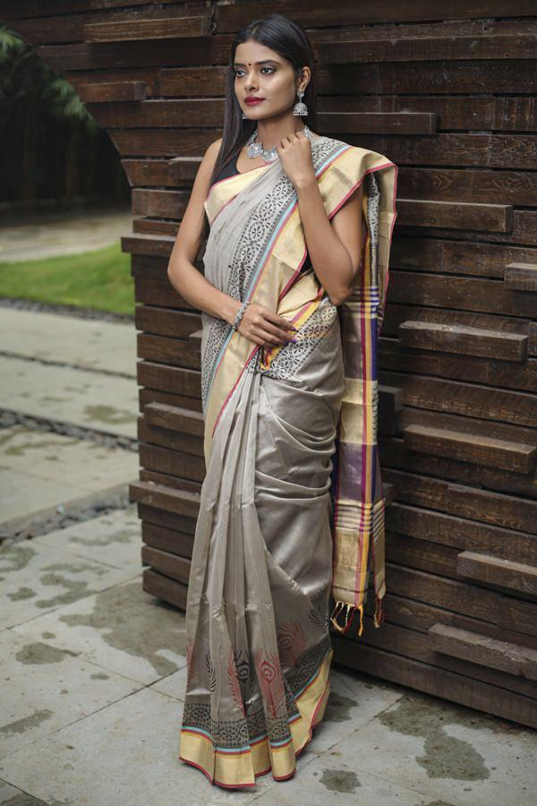 Grey Shade Printed Handwoven Maheshwari Saree