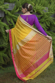 Yellow Shade Handwoven Cotton Silk Maheshwari Saree
