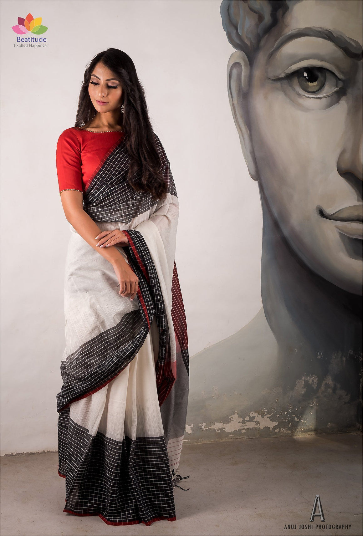 White Handwoven Khadi Cotton Saree