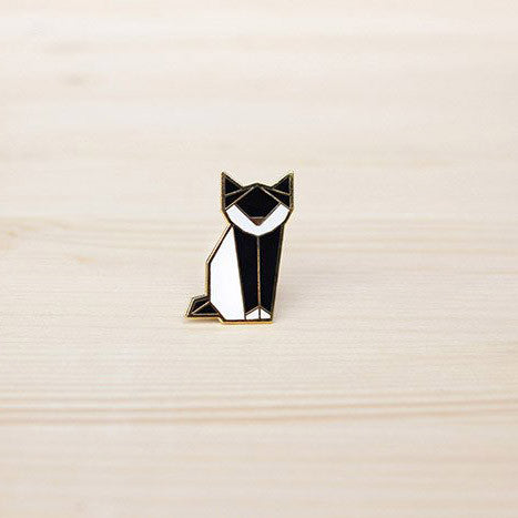 Hug A Porcupine Pin – Cat