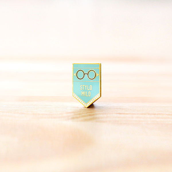 Strangely Singaporean Pin – Stylo Milo