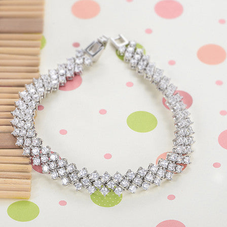 Bracelets-Stylish G & S Creative Ice Drop Design Four Claw AAA Zircon Charming Handmade Bracelet