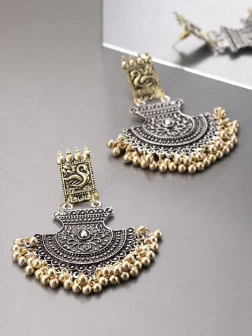 Infuzze Oxidised Silver & Gold-Toned Crescent-Shaped Chandbalis - V028