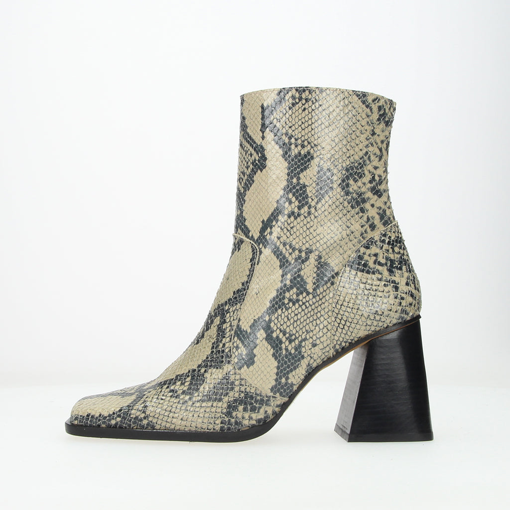 Squared Ankle Boot