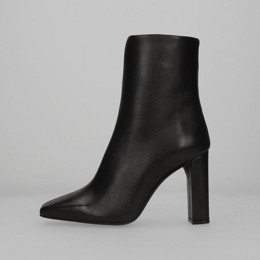 Conny Ankle Boot