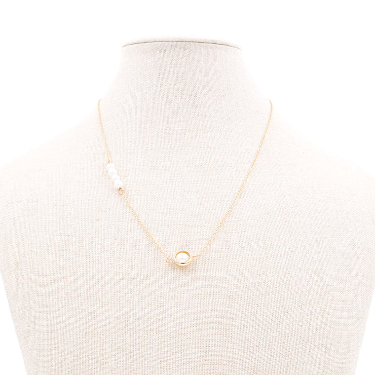 Missa Pearl Minimalist Gold Necklace