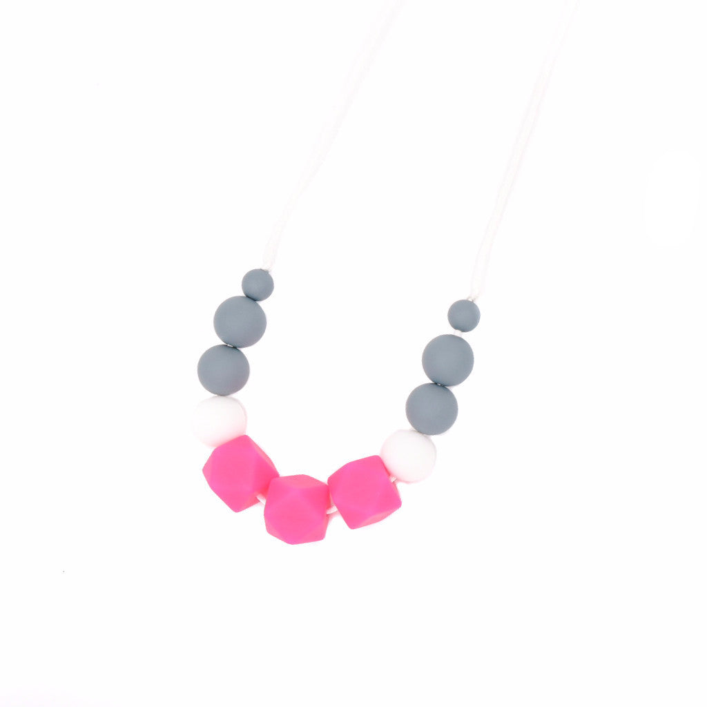 Melanie Beads Necklace in Pretty Fuchsia