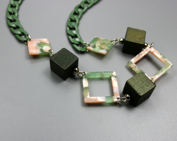Ithaca Link Necklace in Jade Green