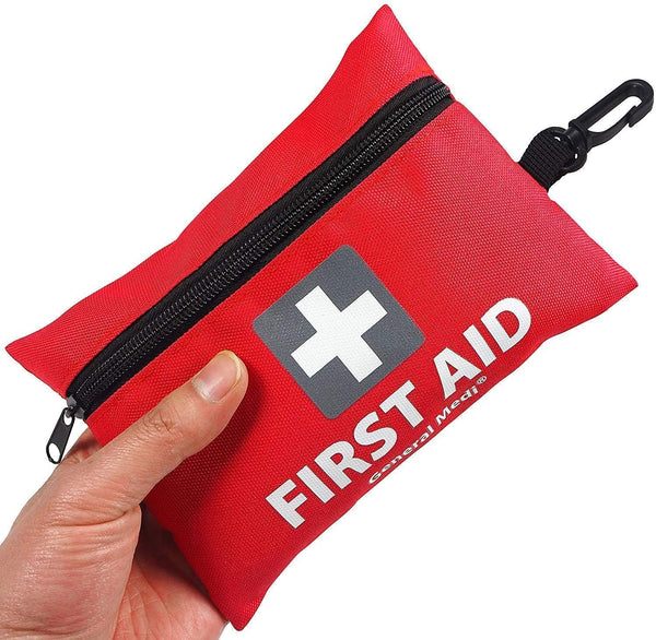 Mini First Aid Kit, Practical gift for traveller, practical gifts 2020, best travel gift list, Christmas gift list ideas, idea for traveller, travel tips