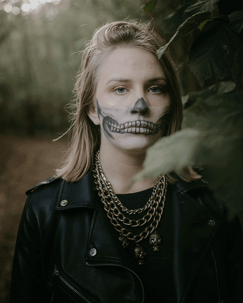 Last minute Halloween costume idea, skull costume, skull make up for Halloween 2020