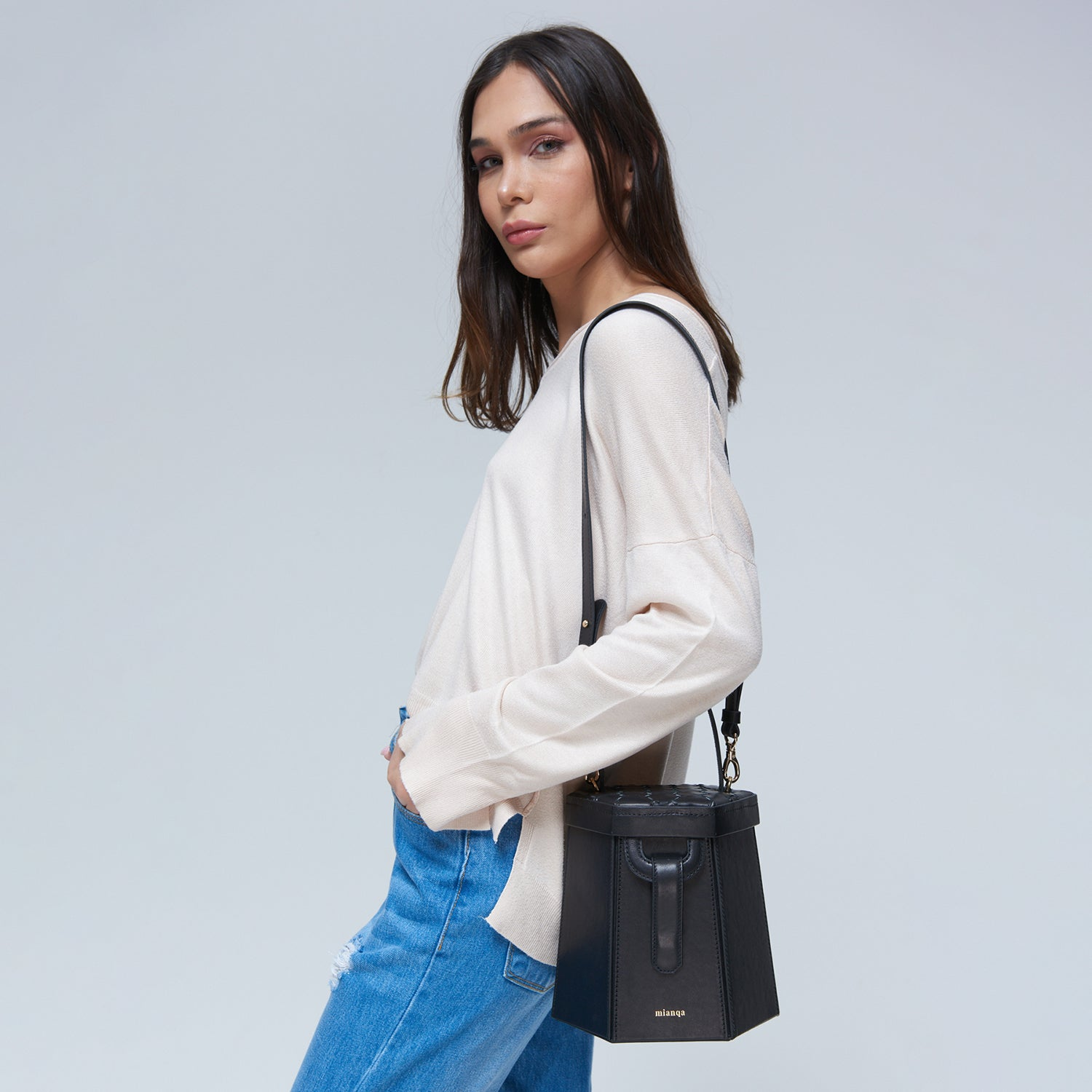 E L I F | Hexagon Bag Black