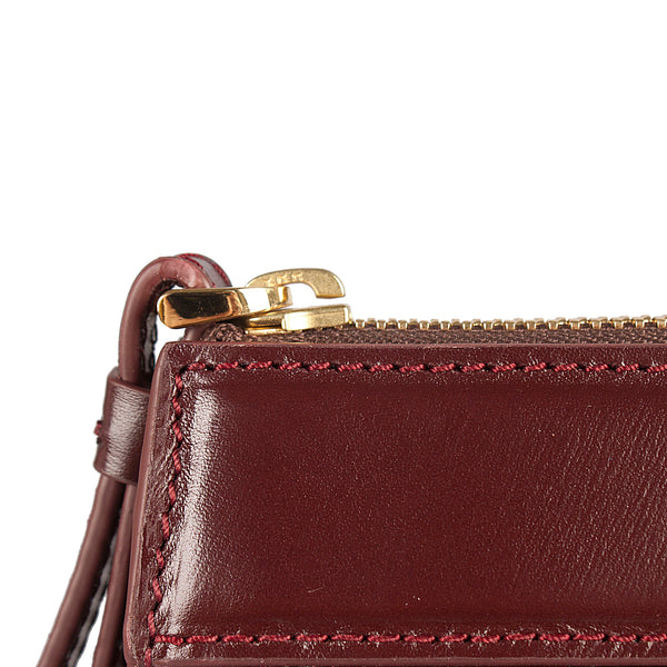 handmade and handwoven leather clutch bag bordeaux zipper and stitch detail