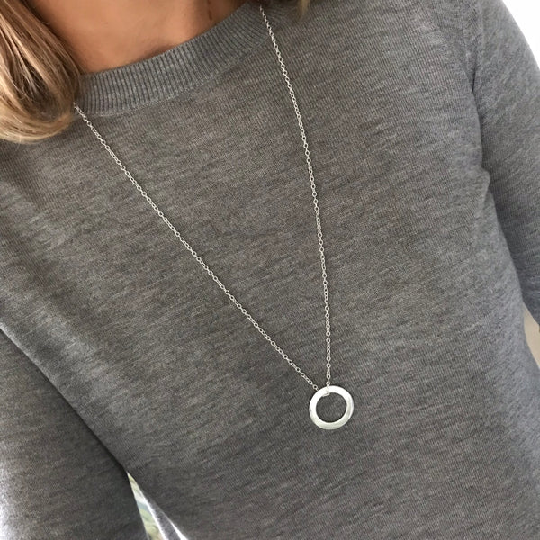 Silver Circle Eternity Necklace - 25mm - KookyTwo
