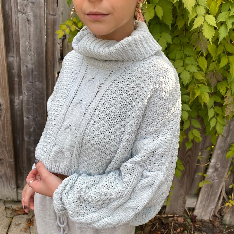 MINDY Crop Turtleneck Sweater