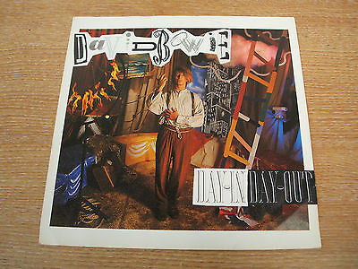 david bowie   day in day out 1987  uk issue  vinyl 7 inch single ex +   EA 230