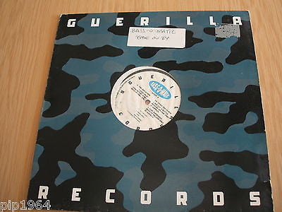 "bass o matic   ease on by   william orbit mix guerilla records  vinyl 12"" ex"