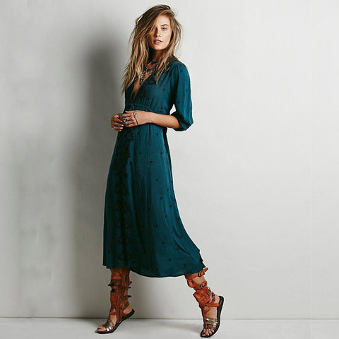Boho Dress Women 2017 Spring Summer Embroidery Bohemian Long Dress Loose V-Neck Sexy Retro People Hippie Dresses Robe 14 Colors