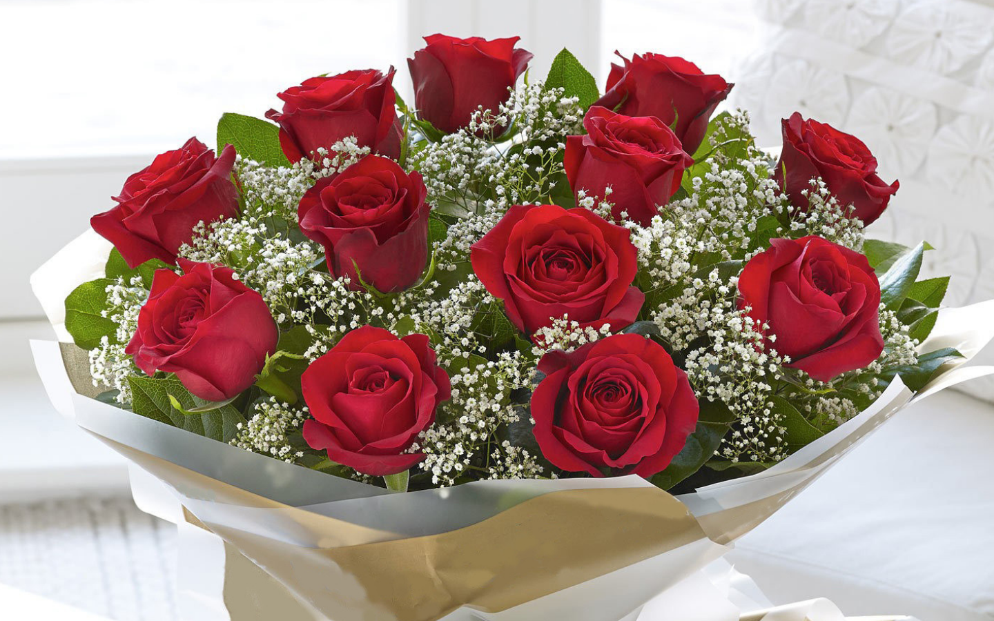 Image result for Send Red Roses Online To Bring A Smile On The Recipient's Face